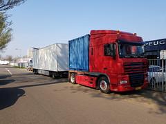 DAF XF 105.300 met kenteken BS-NF-67 in Arnhem 08-04-2019 (marcelwijers) Tags: daf xf 105300 met kenteken bsnf67 arnhem 08042019 truck trucks lkw camion vrachtwagen vrachtauto lorrie nederland niederlande netherlands pays bas gelderland guelders