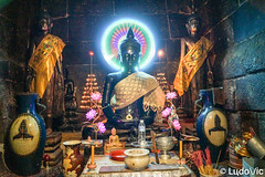 Buddha at Wat Ounalom (Lцdо\/іс) Tags: watounalom វត្តឧណ្ណាលោម khmer temple buddhisme buddha bouddha boudhisme cambodia cambodge kambodscha kampuscha kamboscha lцdоіс phnompenh religion pray asia asian asie asiatique magic explore
