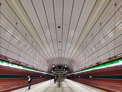Metrostation Petřiny (Linie A) (Berliner1963) Tags: öpnv dpp dopravnípodnikhlavníhoměstaprahy tschechien böhmen czechrepublic cz prag praha prague ubahn ubahnhof subway subwaystation architektur architecture modernarchitecture modernearchitektur metro liniea petřiny