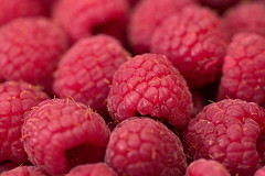 Raspberry (donnicky) Tags: background closeup dof fillingtheframe food freshness fruit healthyeating indoors macro multipleobjects nopeople publicsec raspberry readytoeat red selectivefocus wallpaper d850