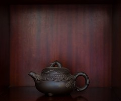chinese teapot (Robert Borden) Tags: tea teapot collection stilllife color rich detail santaclarita frombeijing chineseteaport fuji fujifilm fujifilmxt2 fujifoto fujiphoto fujiphotography 50mm 50mmlens primelens 50mmprime fujiphotographer suburbia favoritethings object