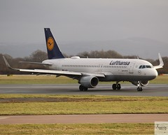 Lufthansa A320-214 D-AIUL taxiing at MAN/EGCC (AviationEagle32) Tags: manchester man manchesterairport manchesteravp manchesterairportatc manchesterairportt1 manchesterairportt2 manchesterairportt3 manchesterairportviewingpark egcc cheshire ringway ringwayairport runway runwayvisitorpark runway23r unitedkingdom uk airport aa aircraft airplanes apron aviation aeroplanes avp aviationphotography avgeek aviationlovers aviationgeek aeroplane airplane planespotting planes plane flying flickraviation flight vehicle tarmac lufthansagroup lufthansa staralliance airbus airbus320 a320 a320200 a322 a320214 daiul