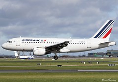 Air France A319-100 F-GRHP (birrlad) Tags: dublin dub international airport ireland airplane airplanes aircraft aviation airline airliner airlines airways arrival arriving approach finals landing runway airfrance airbus a319 a319100 a319111 fgrhp france french rugby team charter flight af4000