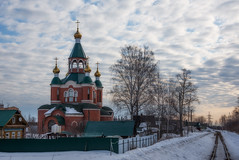 *** (Woodmen19) Tags: kirovochepetsk town city building russia kirov region church temple храм orthodoxy православие архитектура architecture snow march 2019 railroad narrowgaugerailway landscape morning
