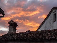 atardecer tejados en Guadalupe Caceres (Rafael Gomez - http://micamara.es) Tags: esp españa extremadura guadalupe atardecer tejados en caceres