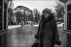17drb0336 (dmitryzhkov) Tags: urban outdoor life human social public stranger photojournalism candid street dmitryryzhkov moscow russia streetphotography people bw blackandwhite monochrome