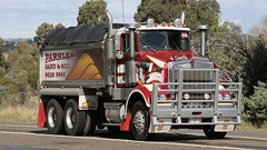 Ken Tip (3/3) (Jungle Jack Movements (ferroequinologist) all righ) Tags: k k123 k125 w925 tip dump truck refuse gravel sand soil kenworth highway hauling haulin hume sydney 2019 yass classic historic vintage veteran hcvca vehicle run hp horsepower big rig haul haulage freight cabover trucker drive transport delivery bulk lorry hgv wagon nose semi trailer deliver cargo interstate articulated load freighter ship move roll motor engine power teamster tractor prime mover diesel injected driver cab wheel double b kw ken kenny k100 tipper hoist