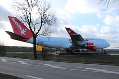 Corendon Boeing 747 bijna op zijn bestemming Badhoevedorp 9 februari 2019 (Remco van den Bosch 72) Tags: klm klmboeing747 phbfb cityofbangkok royaldutchairlines 747 747406 boeing a9 mammoet schipholweg badhoevedorp corendonvillagehotel corendon aircraft airplane vliegtuig