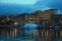 Riflessi (barbaracoccigatti55) Tags: porto portoantico genova manolibera notturo liguria