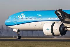 KLM Royal Dutch Airlines | PH-BVS (Nationaal Park Darien) (TommyYeung) Tags: phbvs klm klmroyaldutchairlines 荷蘭皇家航空 koninklijkeluchtvaartmaatschappij 荷航 journeysofinspiration kl boeingcommercialairplanes boeing 777 777300er boeing777 boeing777300er b77w extendedrange nationaalparkdarien ams eham amsterdam amsterdamairport amsterdamschipholairport schiphol luchthavenschiphol schipholairport plane planespotting planephoto planes airplane aeroplane spotter spotting transportspotting aircraft airliner air airline airliners airlines airtransport airside airframe aviation closeup jet jetairliner twinjet widebodyjetairliner widebodyjet widebody commercialjet passengerjet fly flymachine etops extendedoperation transport transportphotography transportation canonphotography canon canoneos5d4 generalelectric geaviation ge90 ge90115b tripleseven heavier netherlands amsterdamairportschiphol ijweg polderbaan polderbaanschiphol vs037