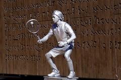 EL RITMO  DETENIDO (marthinotf) Tags: malaga teis raqueta pelota mimica airelibre costadelsol figurashumanas mimo lenguajecorporal lenguajegesticular elmimo