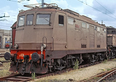 FS E424 102 (maurizio messa) Tags: breda e424 yashicafxd lombardia mau bahn ferrovia treni trains railway railroad