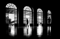 framed light (ThorstenKoch) Tags: street streetphotography schatten stadt strasse shadow schwarzweiss silhouette reflection licht lights lines linien light lissabon lisboa lisbon framed city candit monochrome pov photography people photographer pattern portugal europe fuji fujifilm thorstenkoch