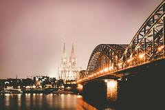 Dom zu Kön (camerue) Tags: cityscape regen nacht rhein dom cologne köln