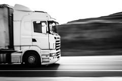 En ruta. (Ricardo Pallejá) Tags: truck camión monocromático monocromo barrido nikon d500 highway lightroom ricardopallejáherrera new 2019