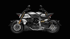 Ducati to launch its monstrous Maxi-Naked Diavel 1260 and 1260S (ForcInduct) Tags: bike news bulletin ducati updates trending bikes diavel1260 diavel1260s ducatidiavel forcindict nakedbikes upcomingbikes diavel 1260 wallpapers 1260s engine gallery specs tank forcinduct superbikes