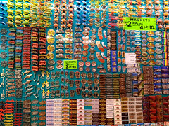 Wall of Magnets (JB by the Sea) Tags: sanfrancisco california february2019 urban chinatown grantavenue grantstreet