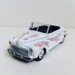 Ford Deluxe (1948) Grease 1/43 Greenlight (colecciones_cheveres) Tags: ford forddeluxe 1948 grease 143 greenlight diecast hollywoodcars coleccionesdequiosco coleccionesdelgrupoelcomercio 143scale