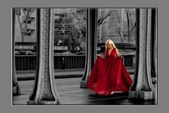 Paris - Pont de Bir-Hakeim (roger gabriel simon) Tags: flickr blackandwhite bnw bw red rouge steel metal personne pontdebirhakeim paris city ville canon canonpowershotg5x france noiretblanc theinceptionbridge theladyinred streetphotography photography beautifulwoman femme woman