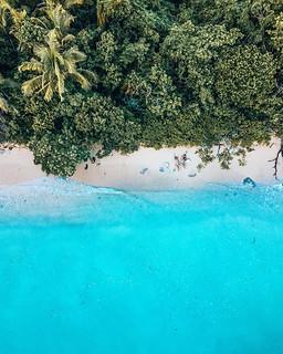 BRB, stranded on an island. Don't send help 😉. . . . . . . . . . . . . #traveldeeper #travelblogger #travelblog #traveltheworld #traveladdict #travelbug #travellife #femmetravel #bestplacestogo #liveinspired #wanderlust #citizenfemme #ladieswhotravel