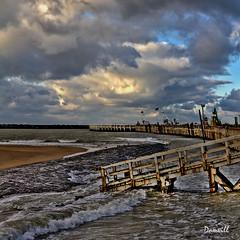 La digue d'Ostende en travaux (DOMVILL) Tags: digue ostende ciel domvill mer nuages passerelle sable travaux wwwflickrcompeoplevildom