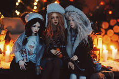 cabin in the woods VIII (AzureFantoccini) Tags: bjd abjd doll dollhouse miniature balljointeddoll cabin woods forest winter nature newyear snow diorama girls supia jiin granado ozin5 emon zaoll luv dollmore holidays cozy stilllife