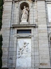 Escultura San Francisco de Sales exterior Iglesia de Santa Barbara Convento de las Salesas Reales Madrid (Rafael Gomez - http://micamara.es) Tags: escultura san francisco de sales exterior iglesia santa barbara convento las salesas reales madrid