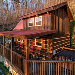 "Cabin in Gatlinburg, TN <a style=""margin-left:10px; font-size:0.8em;"" href=""http://www.flickr.com/photos/132885244@N07/46848579384/"" target=""_blank"">@flickr</a>"