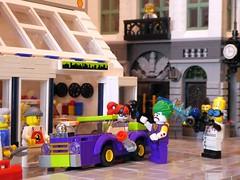 Shrink that car (captain_joe) Tags: toy spielzeug 365toyproject lego minifigure minifig batman harley quinn harleyquinn joker mikethemechanic joescars brickbank modularhouse 2441