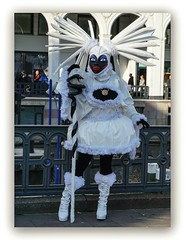 white Lady (Körnchen59) Tags: whitelady weiselady maskenzauber hamburg alster germany körnchen59 elke körner sony 6000