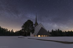Milky way in winter time - Würzbrunnen (Captures.ch) Tags: snow schnee night nacht winter aufnahme capture baum forest himmel landscape landschaft church kirche sky tree wald switzerland bern emmental würzbrunnen röthenbach swiss clear klar sterne stars