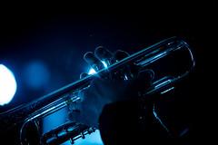 Trompetiste (◄Laurent Moulin photographie►) Tags: big bang de brignais festival jazz colombier saugnieu 2019 musique trompette trompetiste doigts mumière