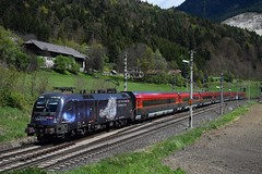 1116 158, rj 533 ( Wien HBF > Lienz ). Gummern (M. Kolenig) Tags: 1116 railjet lichtinsdunkel baum