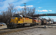 Escaping the Norm (SantaFe669) Tags: unionpacific bnsf c449w sd40n trains railroads railfanning diesellocomotives locomotives