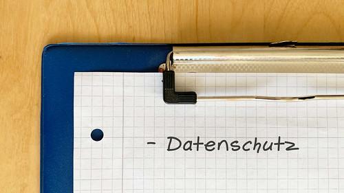 Datenschutz-auf-Klemmbrett