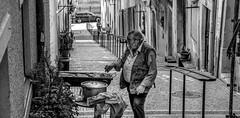 Portugal, Lisbon -2014 (Cornelis photographer / author) Tags: portugal lisbon lissabon nikon d7100 nikond7100 zwartwit blackandwhite schwarzweis schwarzweiss monochrome grill grillen straat street strase strasse