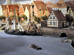 Historical model of Bremen. (robárt shake) Tags: historisch model modell weser bremen altstadt nostalgisch häuser schiffe boote anleger harbour hafen
