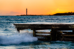 Waking in Paradise (Neil Cornwall) Tags: 2018 cancun caribbean mexico riupalace february gulfofmexico water sea sunrise morning landscape nikond7000 nikon waves breakers pier lighthouse