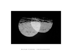Eclipse de dos lunas (J.VINDEL) Tags: grayscale monovision monochrome bnw blackandwhite blackandwhitephotography contemporary lights abstractionism abstractions abstract photography