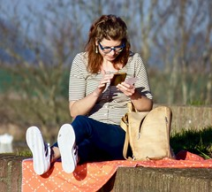 Genieten van de lente zon . (Franc Le Blanc .) Tags: street photo mobilworld girl heusden seated sit sitting spring candid people
