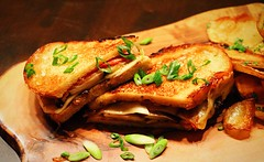 Grilled cheese! (corineouellet) Tags: canonphoto foodie foodies food gourmet entree delish delicious tasty yumyum yummy pain bread cheese grilledcheese sandwich