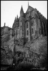Mont St Michel 01 (eradk666) Tags: mont saint michel nb bw dark architecture abbaye noir et blanc black white
