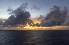Sunrise in the Indian Ocean / Рассвет в Индийском океане (dmilokt) Tags: природа nature пейзаж landscape море sea закат рассвет восход sunset sunrise dmilokt