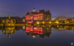 Christmas in Vaux-le-Vicomte [FR] (ta92310) Tags: fouquet nicolas maincy europe idf vicomte vaux château paris marne seine 77 france travel vauxlevicomte castle bluehour night nuit longexposure canon noel christmas jardin garden