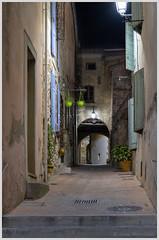 Une ruelle la nuit (balese13) Tags: 1855mm 2019 bouchesdurhône d5500 istres nikonpassion paca provence escalier lampadaire night nikon nuit ruelle éclairage éclairageurbain balese pixelistes