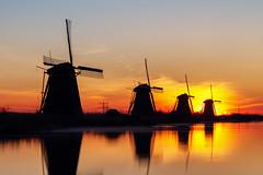 Sunrise at Kinderdijk (R. Engelsman) Tags: kinderdijk sunrise landscape mill mills unesco molen molens netherlands holland nl dusk sky windmolen silhouette windmill windmills