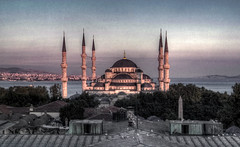 Rooftops of Istanbul (Fr@ηk ) Tags: istanbul turkey turkeye islam europe rec0309 mrtungten62 art texture raw panorama water sky action night day ciel himmel nuages sigma sd9 foveon 35mm srgb isidoreofmiletusanthemiusoftralles haghiasophia ayasophia