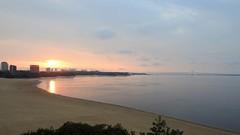 Rio Negro - Amanhecer (sileneandrade10) Tags: sileneandrade rionegro sunset sunrise amanhecer pôrdosol anoitecer rio mar amazônia amazonas paisagem landscape céu ´reflexo espelho água azul areia viagem turismo nikoncoolpixp900 nikon