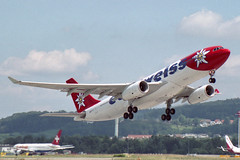 Edelweiss Air Airbus A330-243 HB-IQZ (M. Oertle) Tags: edelweissair airbus a330243 hbiqz martinoertle moertle