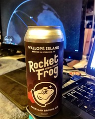 Wallops Island American Brown Ale - Rocket Frog Brewing Company - A space beer while watching a SPACEX launch 🚀❗️ 3 BOOSTER RECOVERY!  Cheers! 🍻 (_BuBBy_) Tags: brew beer rocketfrogbrewingcompany rocketfrogbrewing 🐸 rocketfrog rocket 🍻 cheers recovery booster 3 ❗️ launch spacex watching while space company brewing ale brown american island wallops april2019 april 2019